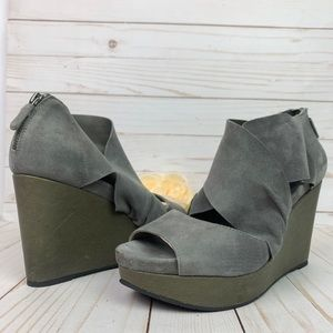 Eileen Fisher Draw Grey Suede Peep Toe Wedges 8